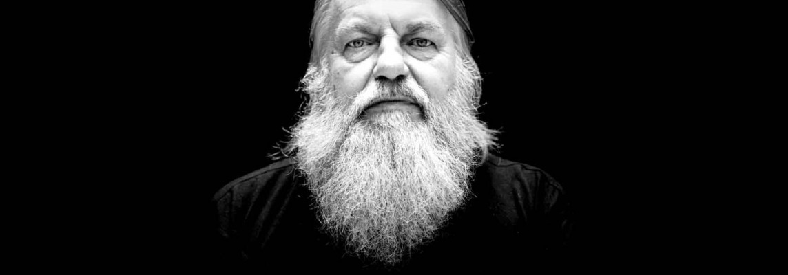 Robert Wyatt Biography